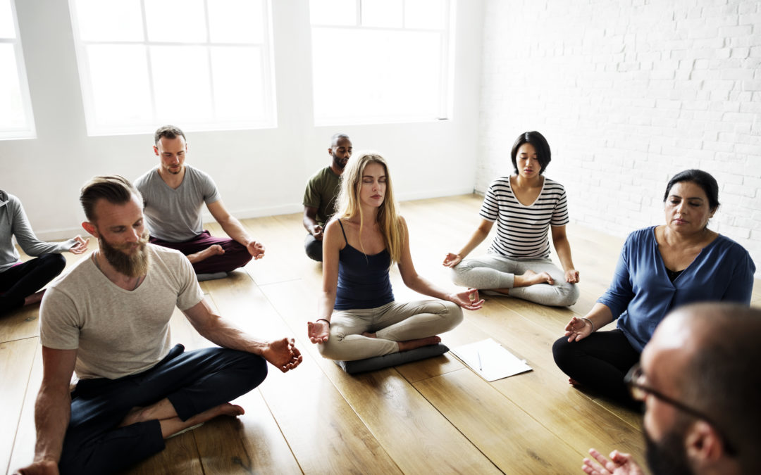 4 Ways To Heal During Your Next Group Yoga Class